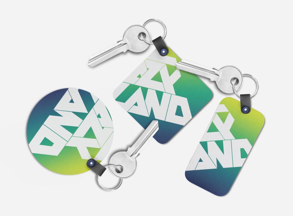изготовление пластиковых брелков полноцветная печать на брелках брелки под заказ